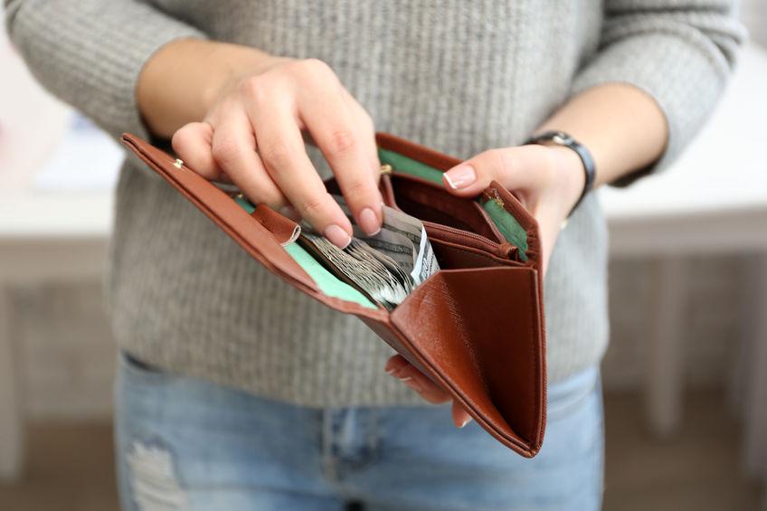 Pożyczka od osoby prywatnej: o czym warto pamiętać, żeby nie żałować?